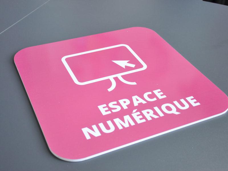 Imprimerie numérique Nîmes panneau PVC